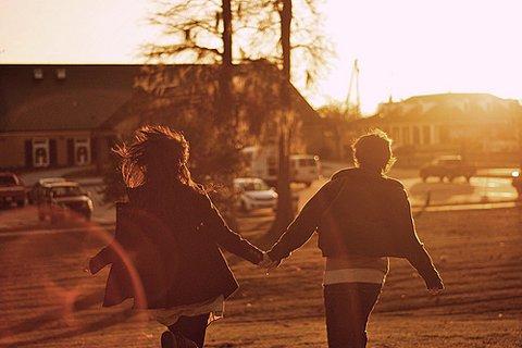 « C'est là le sujet qui m'intéresse le plus : l'amour, le manque d'amour, la mort de l'amour, la douleur qu'entraîne la perte des choses qui nous sont les plus nécessaires. » John Cassavetes