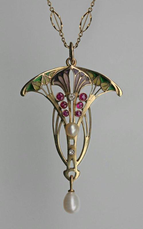 Bijoux celtes , hommage aux papillons et fées