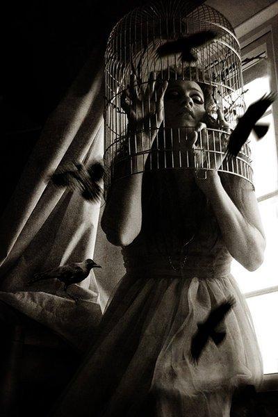_  Chapitre 7   « Ça fait un peu mal de rêver toujours. Ça rend fou, mais ce qu'il y a de plus douloureux dans le rêve, c'est qu'il n'existe pas.» _