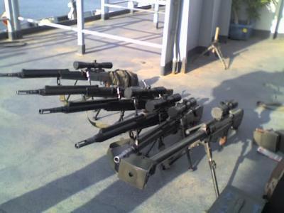 Jeune l'armée a la pointe de la technologie - commando,sniper RD-47