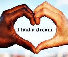 nous devons tous rester unie tant que blanc ou noir pour afronter la vie fuck le RASCISME