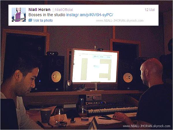 15/05 : Arrivée des garçons à l'aéroport d'Heathrow à Londres. + Photo provenant du twitter de Niall avec ce commentaire : ''Les patrons au studio''. - Qu'en pensez-vous ? :-)