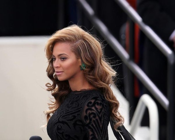 Beyoncé Knowles chante l'hymne international !