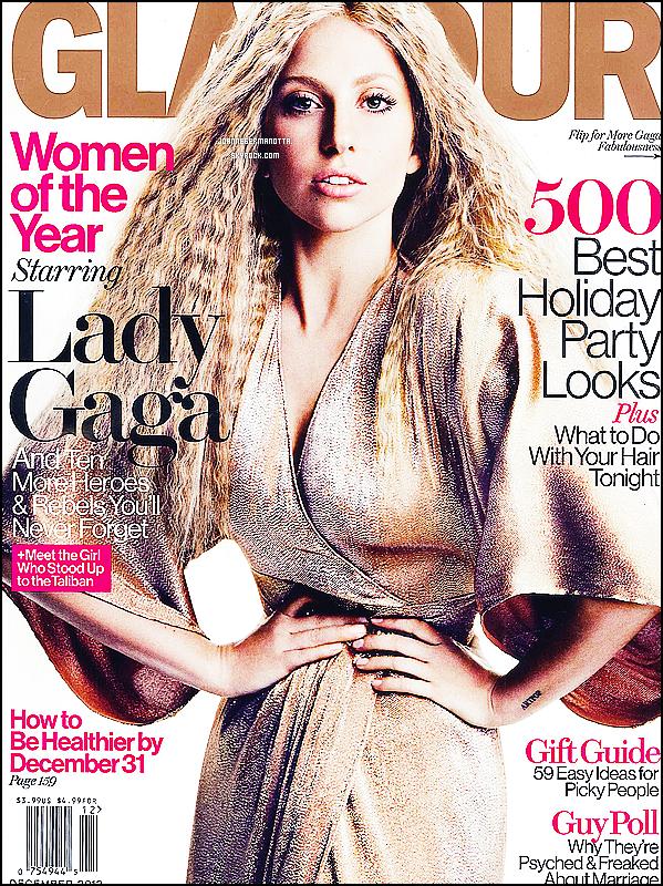 30/10/2013 • L'extravagante L. Gaga aperçu à la sortie de son hôtel à Londres. Top, Bof ou Flop ? + Lady Gaga fait la couverture du Magazine Glamour US du mois de décembre ! Une vidéo du shooting est disponible sur youtube.