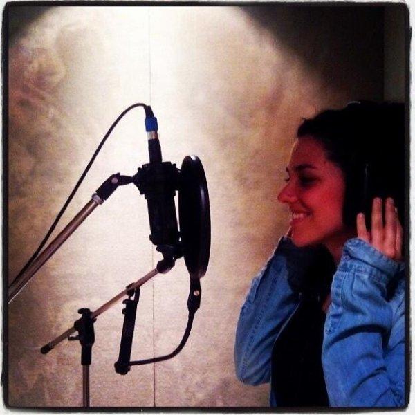 Alba en pleine session d'enregistrement pour les nouvelles chansons de Violetta 3 + Tini au Mechi sur le tournage de Violetta 3 ♥️