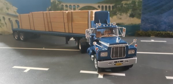 MACK R 607 S 6X4 CABINE CENTRALE IXO 1/43 COLLECTION CAMIONS US ALTAYA