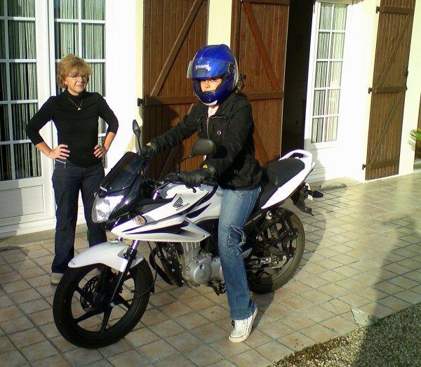 Mon monde secret :D Certains voont trouver ça bizarre une fille qui reve de motos...mais jassume :D
