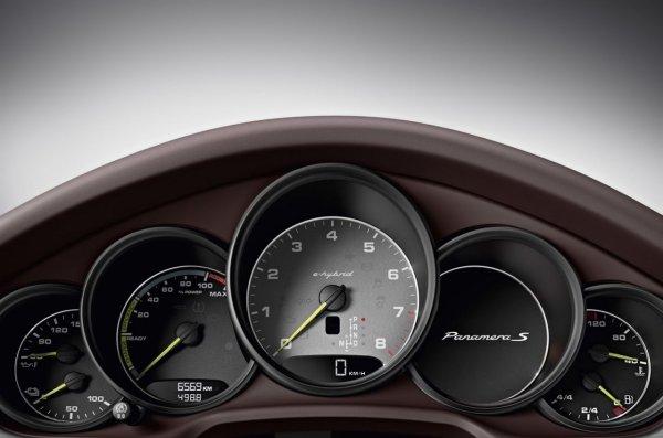 Voici la Porsche Panamera 2013 !!