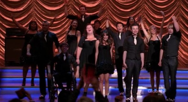 Glee: The Music Volume 6 / Light Up The World (2011)