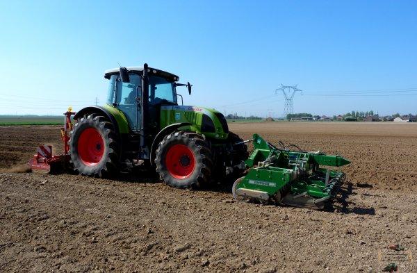 Plantation des pommes de terre avec un claas ares 697 atz et une planteuse grimme bienvenus - Periode plantation pomme de terre ...