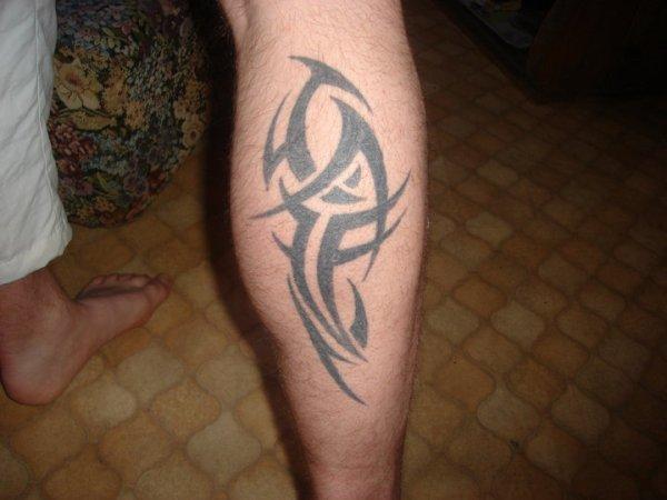 tatoo mollet droit