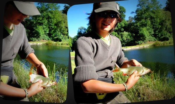 Partie de pêche en famille sur le canal