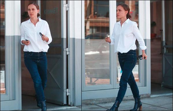 04.07.2018 :  Première sortie du mois de Juillet pour Natalie qui sortait du restaurant Kismet à  Los Feliz