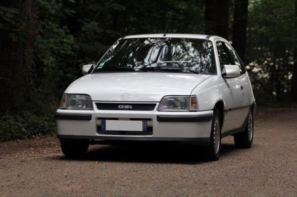 OPEL Kadett GSI 2.0 (1984-1987)