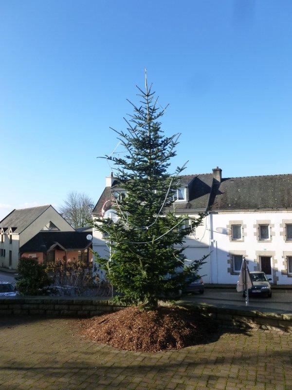 CORAY  : Le décor de Noël est planté