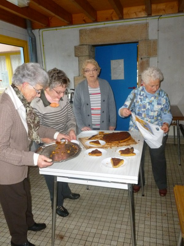CORAY  : La galette des Rois au Club de Pors-Clos.