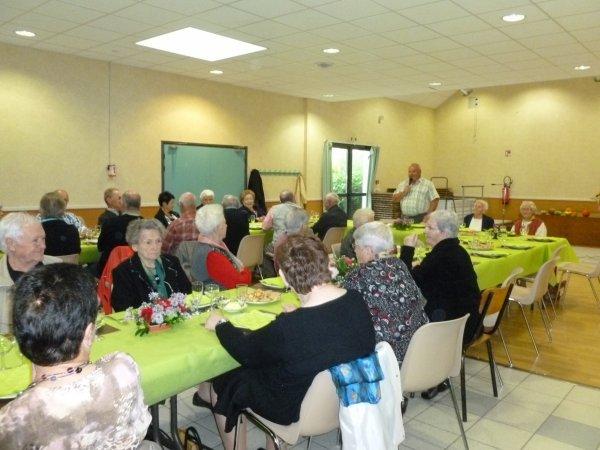 Leuhan  : Repas des Anciens de la commune.(1)