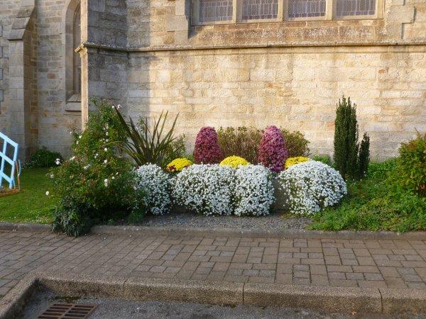 CORAY  : Fleurissement de la Toussaint