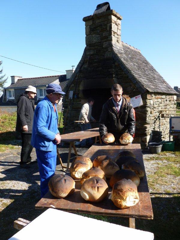 LAZ : Le four a pain reprend du service.