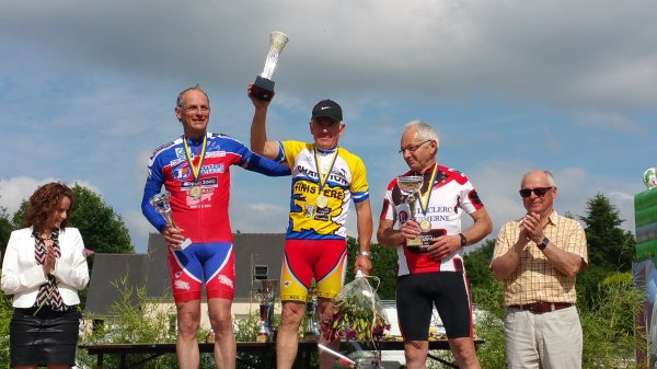 CORAY  : Courses cyclistes (les podiums).