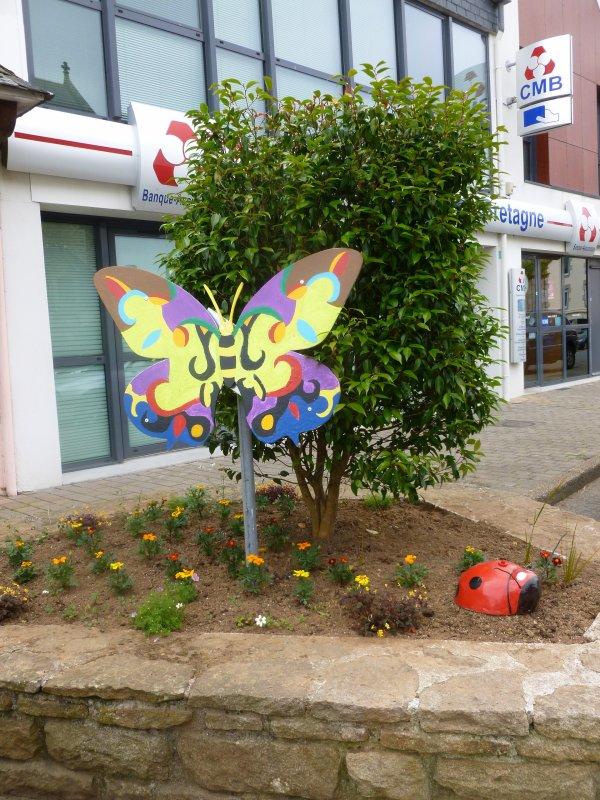 CORAY  : Fleurissement du bourg.(1)