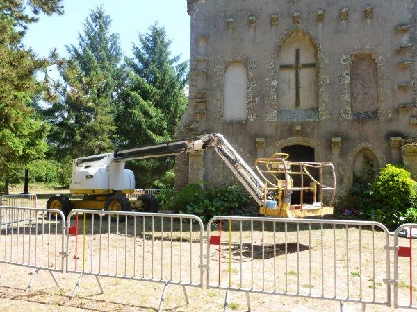 LEUHAN  : Travaux à la chapelle de Lourdes.