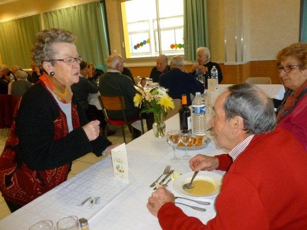 LEUHAN: Repas du club Leuhan-Accueil (2)