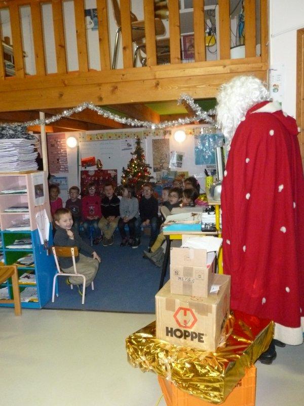 CORAY : Le Père-Noël en visite.(2)