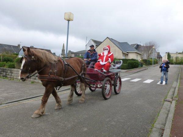 LEUHAN : Visite du Père-Noël.(1)