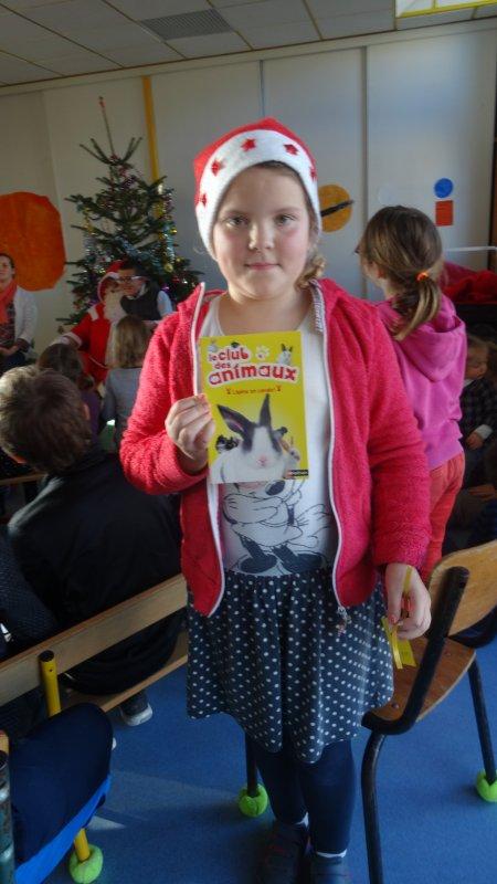 LEUHAN : Le Père-Noël en visite à l'école  (2).