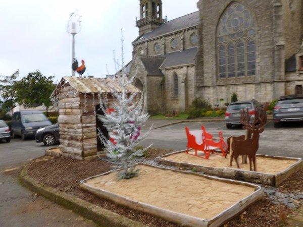 CORAY  : Les décors de Noël sont en place.(1)