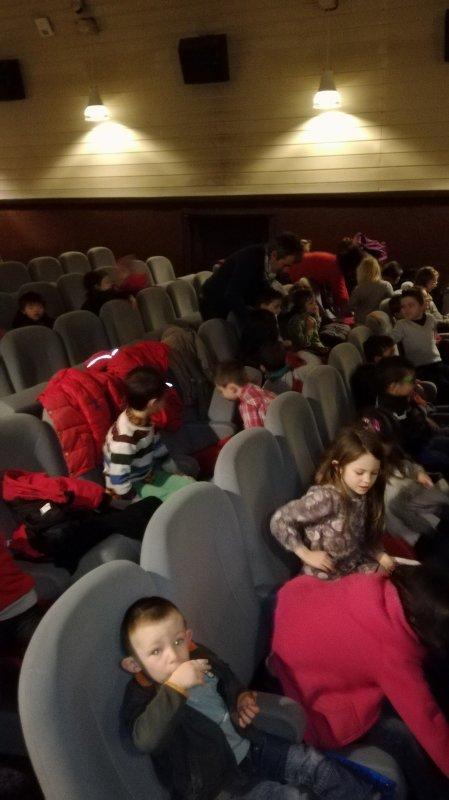 CORAY : Sortie au cinéma.