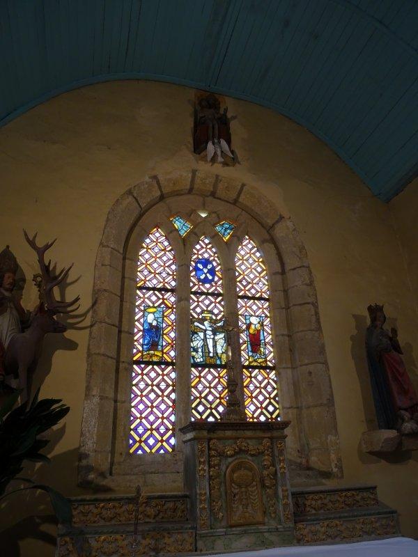 LEUHAN : Visite guidée de l'église (2)