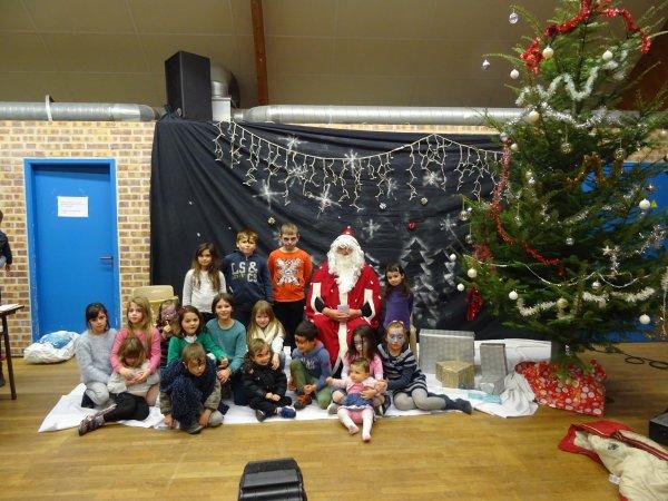 CORAY : Le Père-Noël à la salle polyvalente. (2)