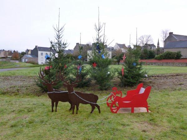 CORAY  : Les Décors de Noël.