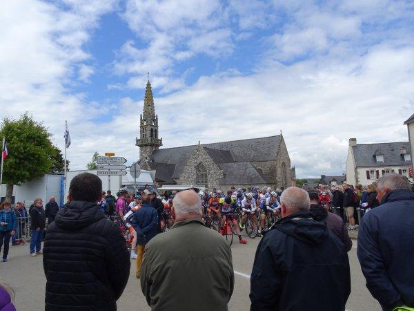 LEUHAN  : La course cycliste.(1)