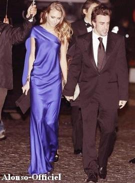 Fernando Alonso au Gala de la FIA     Avec sa compagne pour recevoir son trophée 2012.