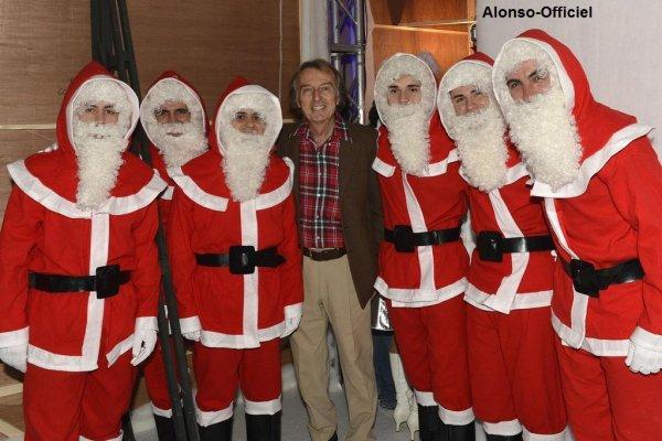 Déjeuner et Fête de Noel à Maranello.     Tout le monde est présent pour ce dernier évènement de l'année.