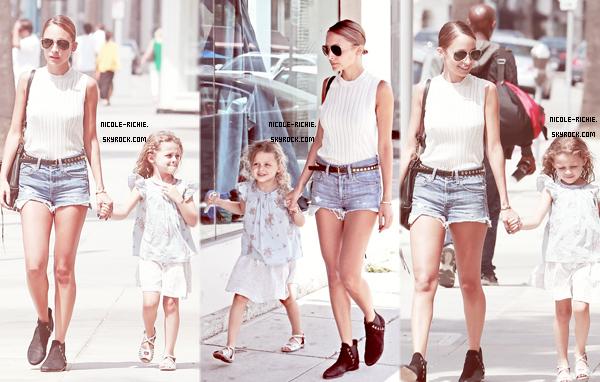 """#02.07.13 Nicole et sa fille, Harlow, faisant du shopping à Trico Field dans Beverly Hills, Californie. #10.07.13 Nicole sur le tournage du film """"Extra"""" avec Mario Lopez. Que penses-tu de sa tenue ?"""
