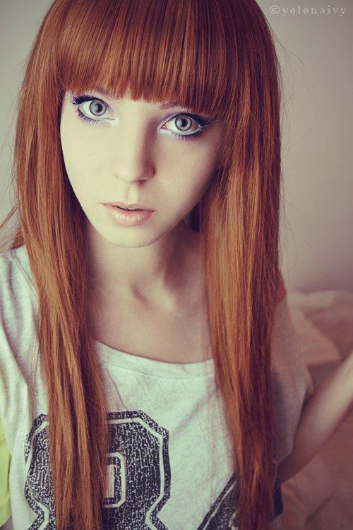 Haarfarbe Bei Blauen Augen Und Heller Haut Mittellange Haare