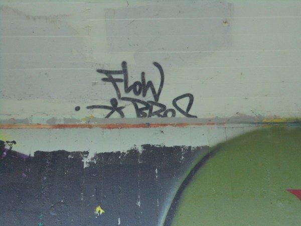 FLOW BROS CREW