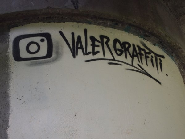 VALER GRAFFITI