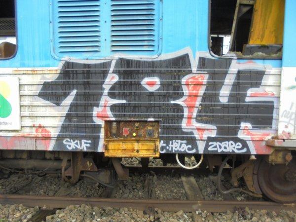 184 CREW
