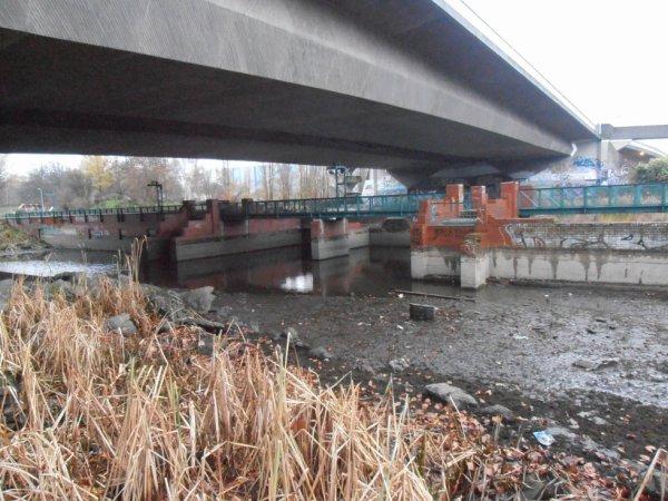 Westspange Brückenpfeiler Saarufer Malstatt-Burbach
