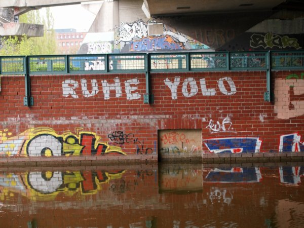 RUHE YOLO CREW
