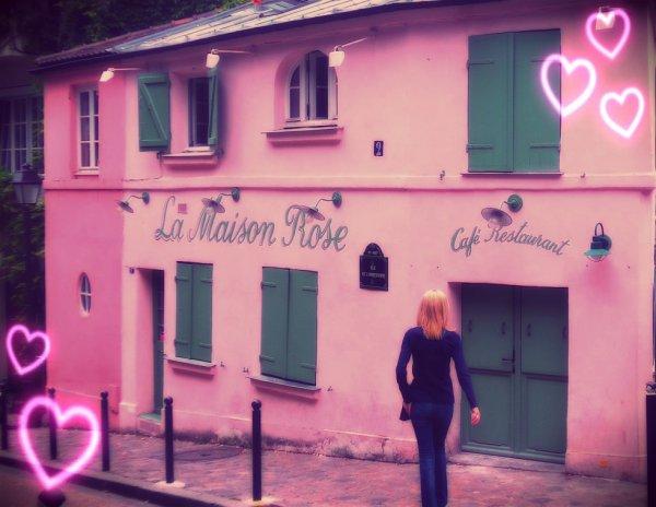 La petite maison rose -Montmartre -Paris