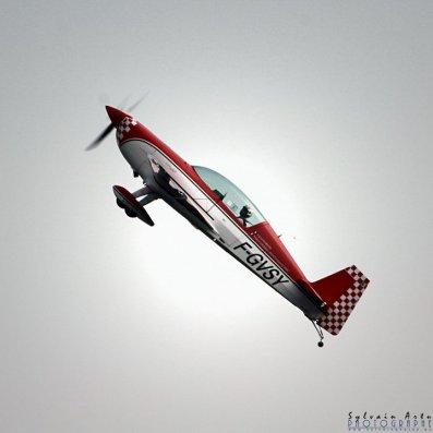 Un avion Extra'ordinaire : L'Extra 300