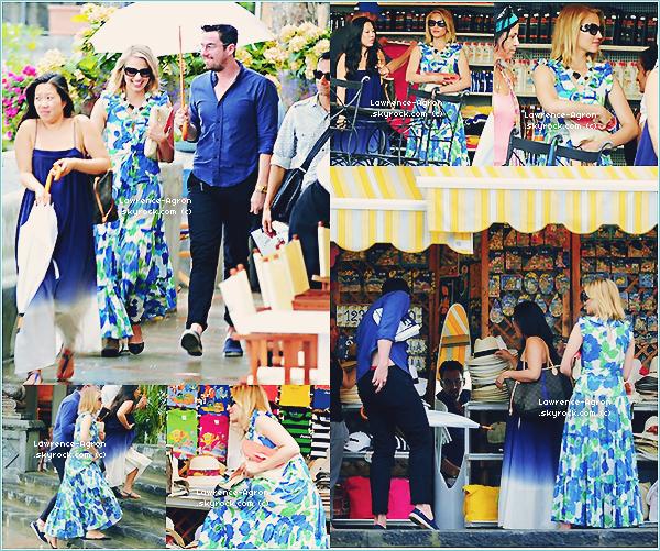 ▬ Lundi 23 juillet 2012    Dianna fessais du shopping avec des ami(e)s en Italie à Positano.Top/Flop?