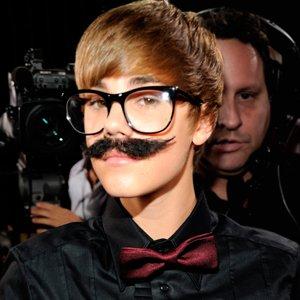 Justin Bieber : envie d'un jouet ? Il demande à maman !