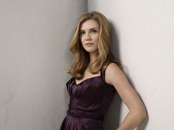 L'actrice Sara Canning interprète (Jenna Sommers)